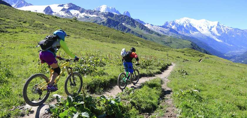 france_chamonix_summer-cycle-path.jpg